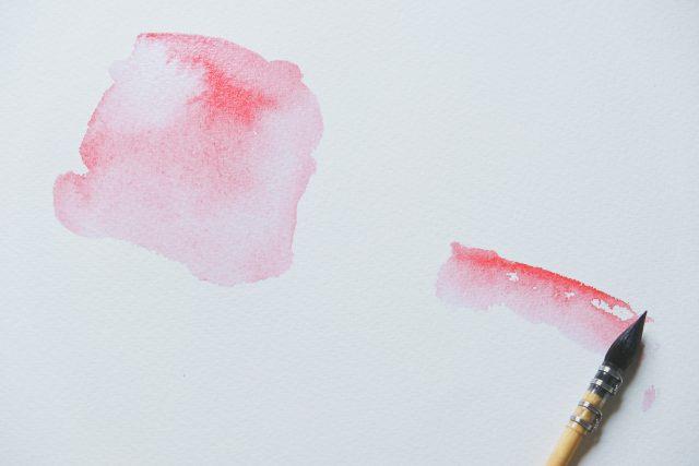 Jak usunąć plamy z farby do włosów – skuteczne porady