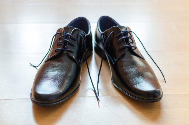Jak szybko wyczyścić oryginalne obuwie skórzane?